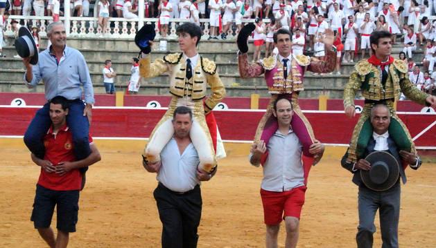 Antonio Apresa, los toreros Esaú Fernández y Francisco Marco y el novillero Javier Marín.