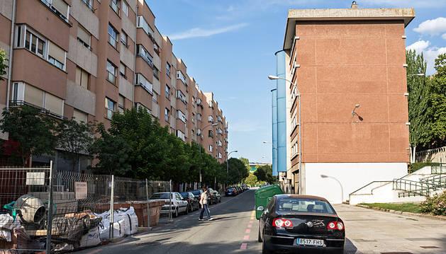 El atropello mortal ocurrió en esta calle, fuera del paso de peatones.