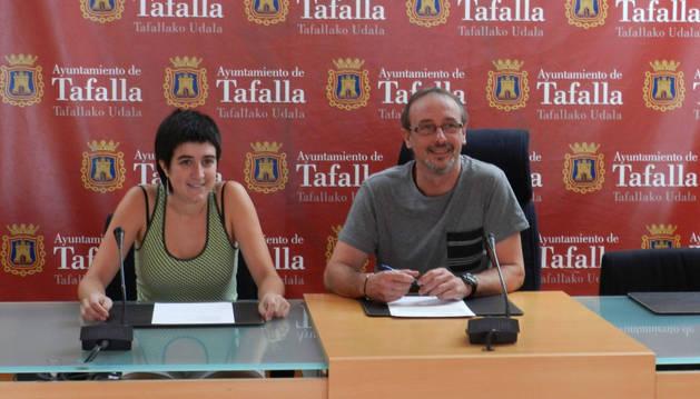 Haizea Lizarbe, concejala de Festejos, y el alcalde Arturo Goldaracena, ofrecieron un balance de fiestas.
