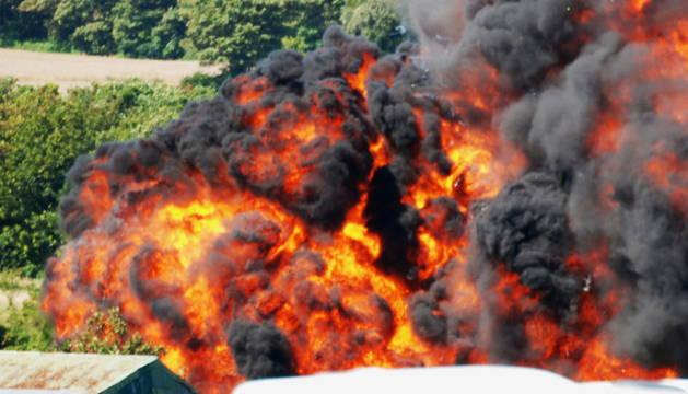 Un caza Hawker Hunter se estrelló durante una exhibición aérea en Sussex.