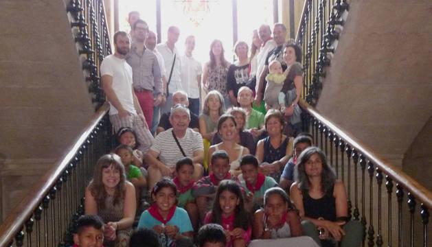 El consistorio de la capital de la merindad despidió ayer a los niños saharauis