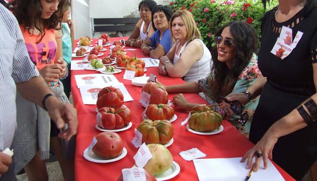 Uno de los concursos celebrados en el Día del tomate de 2014