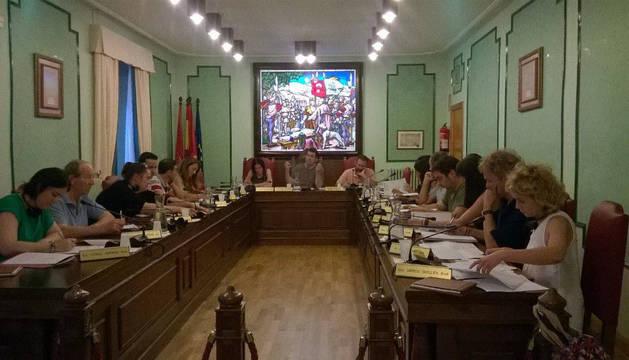 Imagen del pleno celebrado ayer en Villava