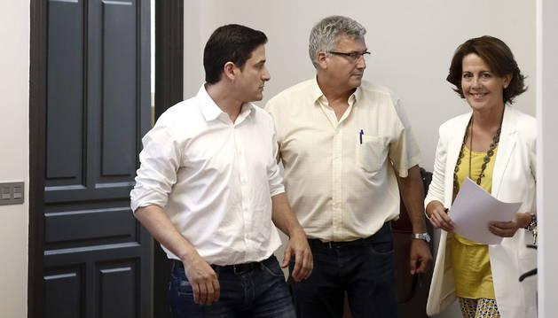 Barcina, antes de la rueda de prensa en la que anunció su dimisión.