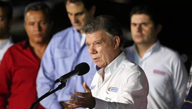 El presidente colombiano, después de visitar a personas deportadas.