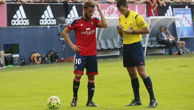 Roberto Torres, contra el Mirandés.