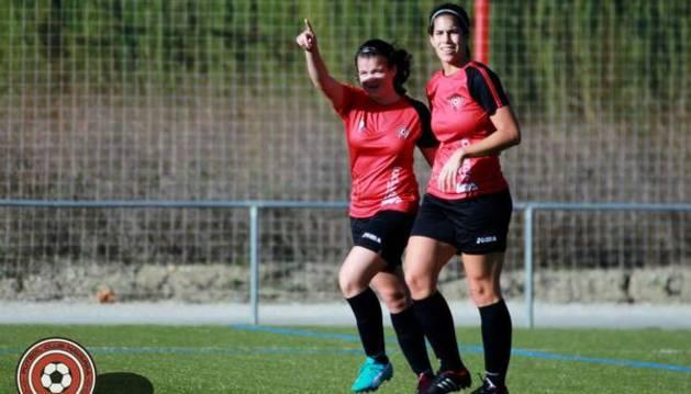 Patricia Zugasti celebra un gol.