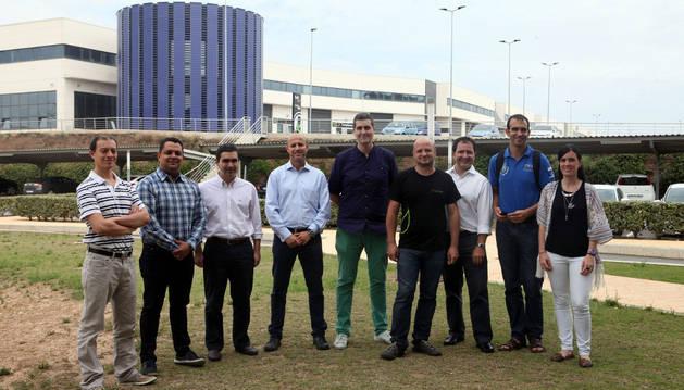 Andrés Morán, Cristóbal Aguilar, Juan Pablo Hurtado, Roberto Roselli, Íñigo Busto y Javier Sánchez, José Luis Bustos, Carlos Matilla, y Adriana Moleres.