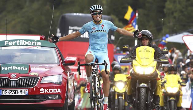 Doblete de Astana con etapa para Mikel Landa y maillot rojo para Aru