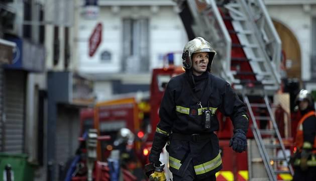 Ocho muertos, entre ellos dos niños, en un incendio en un edificio de París