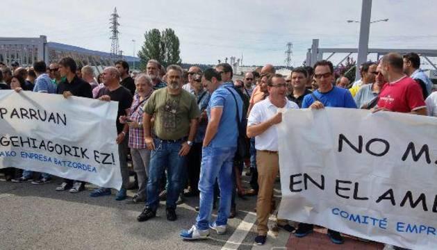 Trabajadores de VW se concentran por el accidente mortal del lunes