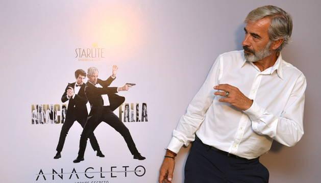 El actor Imanol Arias durante la presentación de la película 'Anacleto, agente secreto'.