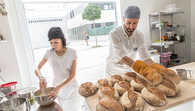 Irene y David Gutierrez Alcántara, hermanos y dueños de Panakery, elaboran artesanalmente todos los productos y con ingredientes ecológicos.