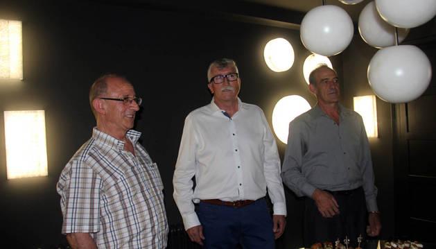 De izda. a dcha., Ángel Alduán, Enrique García y José Fernández, socios de Aljifer, el día de la inauguración.