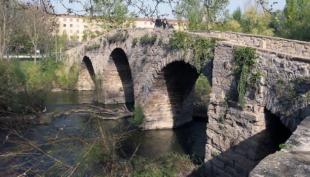 El puente de San Pedro, en la calle Vergel.