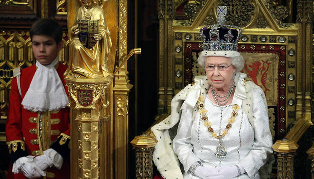 Isabel II, en el Palacio de Westminster para dar comienzo al curso parlamentario, en mayo de 2012.