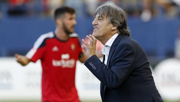 El entrenador de Osasuna, Enrique Martín.