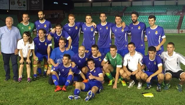 Foto de la Peña Sport tras el 0-3 al Mérida.
