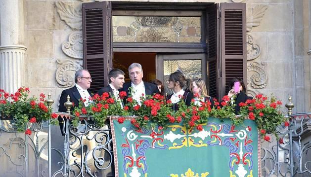 El alcalde de Pamplona durante el desfile.