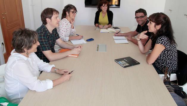 El Ayuntamiento crea un grupo de trabajo para la normalización  del euskera