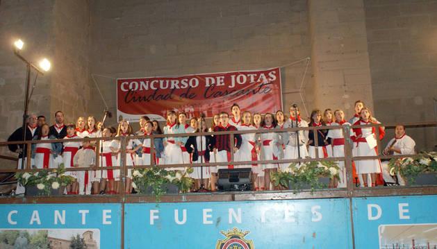 Una tudelana gana el concurso de jotas