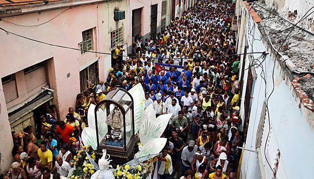 Cuba sale a la calle para venerar a la Virgen de la Caridad