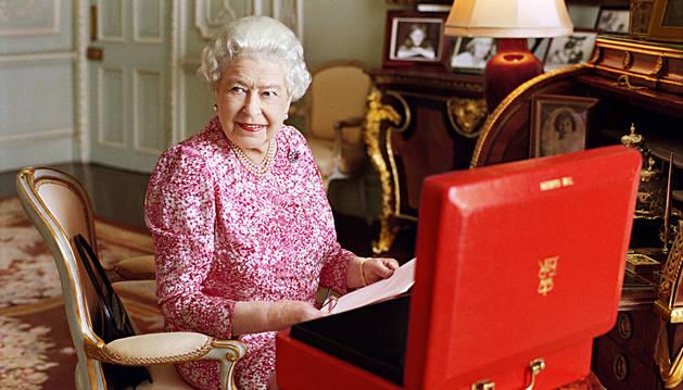 Isabel II se convierte en la reina con más años en el trono