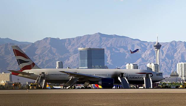 Incendio sin heridos de un avión a punto de despegar en Las Vegas