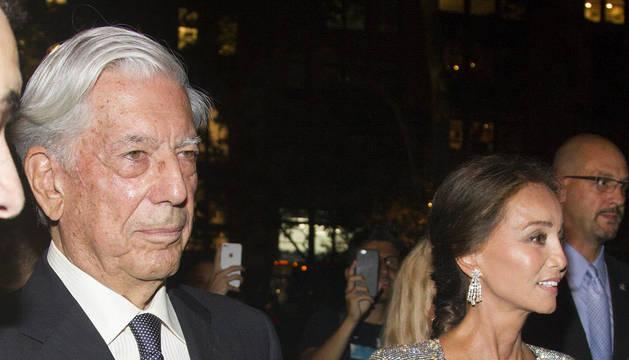 Vargas Llosa y Preysler, en la fiesta de Porcelanosa en Nueva York