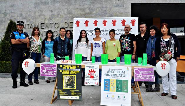 Presentación de la campaña con representantes de colectivos y áreas municipales que colaboran.