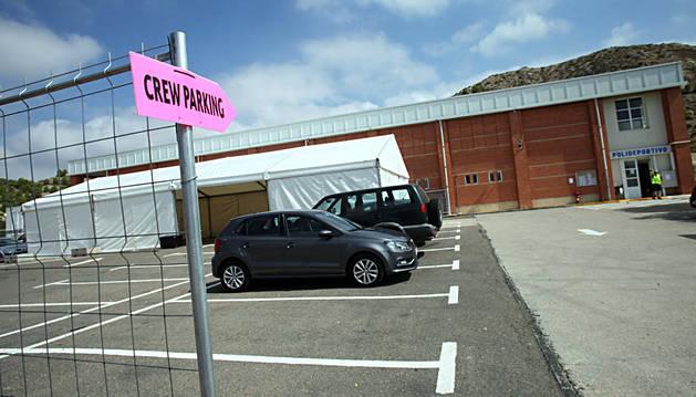 Carpa que ha instalado la productora de Juego de Tronos en España junto al polideportivo de Valtierra.