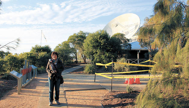 La astrónoma sangüesina Ana Nicuesa Guelbenzu en el  'Australian Telescope Compact Array'.