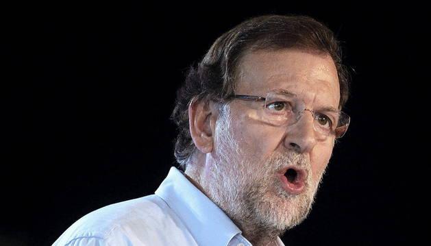 El presidente del Gobierno, Mariano Rajoy, durante su intervención en un acto de campaña electoral del PPC en Lleida.