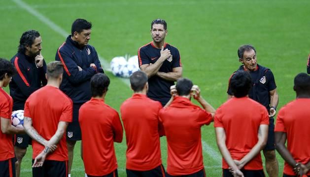 Simeone, en el entrenamiento del Atlético.