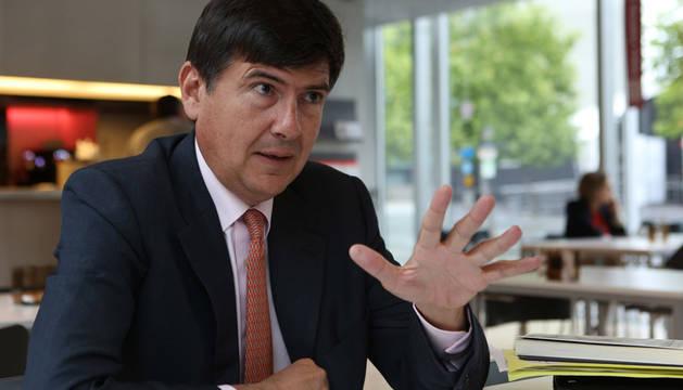 Anticorrupción pide imputar al exministro Pimentel por los ERE