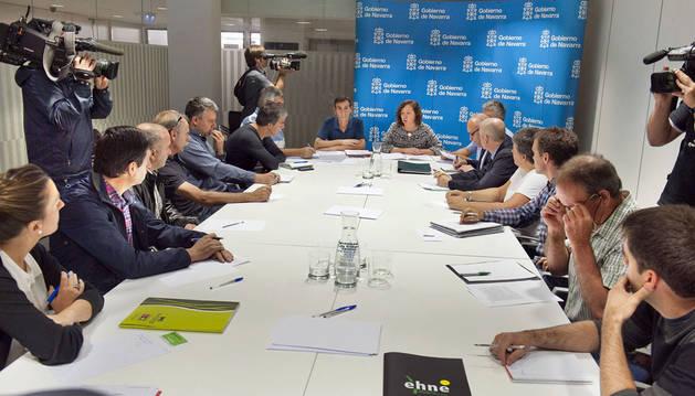 La consejera Elizalde se ha reunido con representantes del sector lácteo en Navarra.
