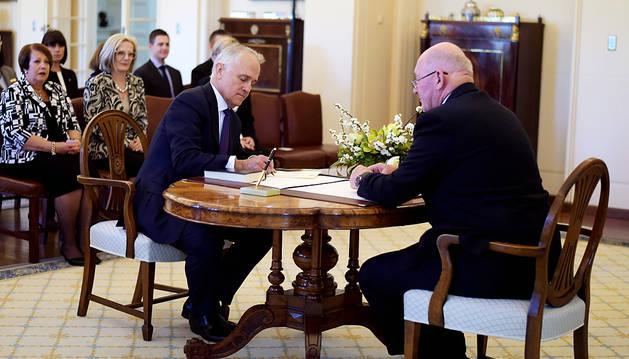 Malcom Turnbull jura como nuevo líder del Ejecutivo australiano