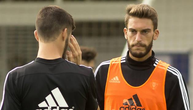 Roberto Torres, junto a Oier.