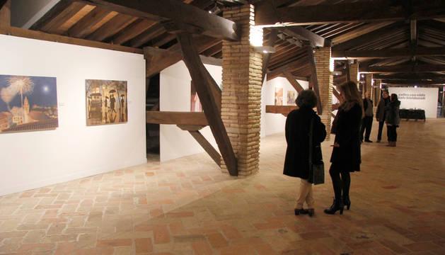 Imagen de una exposición en la sala de Armas de la Ciudadela.