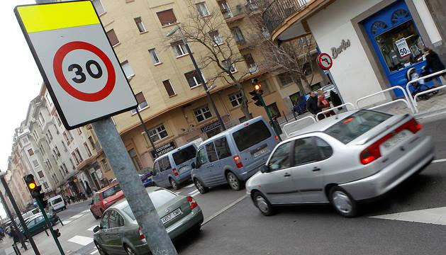 Tráfico en la calle Amaya.