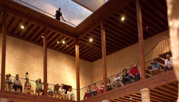 El Palacio de Condestable acogió el último de los conciertos del I Festival de Música Contemporánea de Navarra (NAK) promovido por CMC Garaikideak. Un concurrido acto para esta novedosa cita cultural, que ha ofrecido conferencias, talleres y conciertos con el objetivo de impulsar el estreno y difusión de obras de música contemporánea en la Comunidad foral, así como de apoyar a músicos locales.