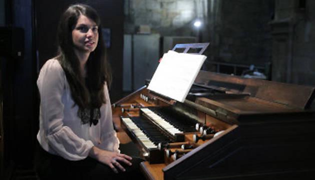 Miriam Cepeda, organista de la Basílica de Sta. María de Begoña (Bilbao).