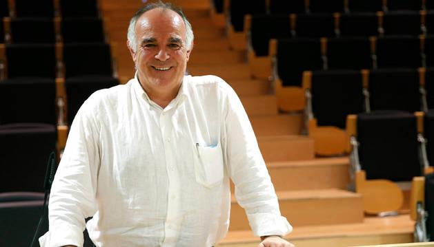 Tomás Aguado, nuevo presidente de la Mancomunidad de la Ribera, en la sede de la entidad en Tudela.