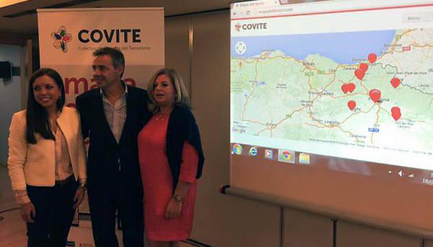 María Jiménez, Tomás Caballero y Consuelo Ordóñez, en la presentación.