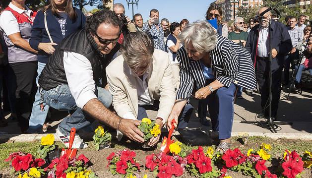 Una fiesta popular en el quinto aniversario de la muerte de Labordeta