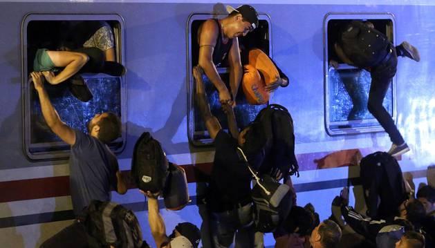 Hungría intercepta 7.852 refugiados, en su mayoría provenientes de Croacia