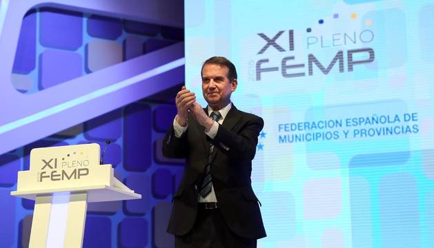 El socialista Abel Caballero, elegido presidente de la FEMP