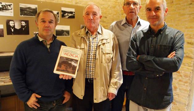 De izquierda a derecha: Jose Etxegoien Juanarena, Mikel Iriarte Lorea, Luis Eduardo Oslé Guerendiain y Santiago Lesmes Zabalegui.