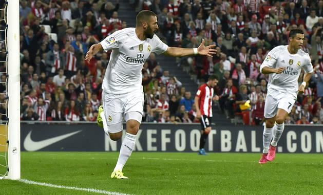 Doblete de Benzemá y liderato para el Real Madrid