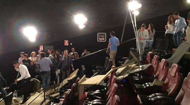 Derrumbe del techo en el cine Proyecciones.